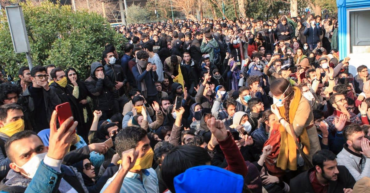 Millions of Young Iranians Support the Overthrow of the Regime